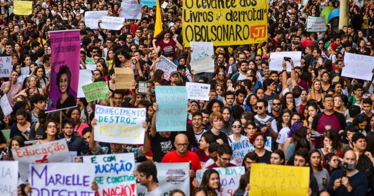 Ato pela educação em São Paulo