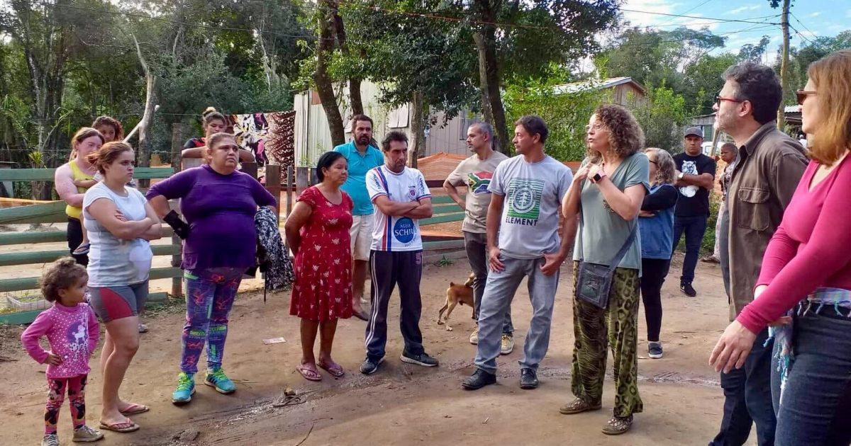 Luciana Genro e Roberto Robaina foram recebidos pelos moradores e pelas lideranças de cada ocupação, o Celso, o Juliano, o Eduardo e a Bruna.