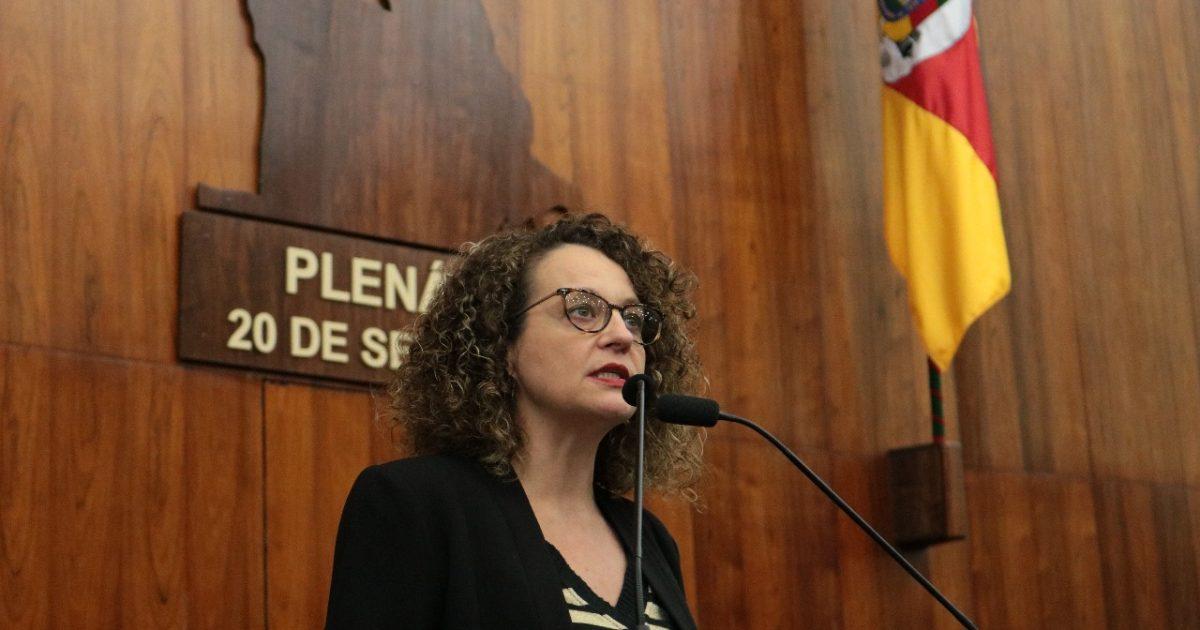 Deputada Luciana Genro usou a tribuna da Assembleia Legislativa para falar sobre as denúncias desta semana | Foto: Vanessa Vargas