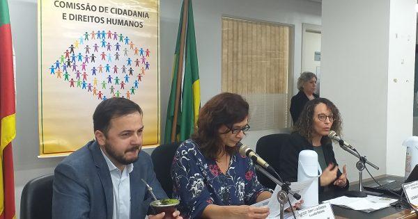 Deputada cobra do governo estadual investimento em políticas para mulheres