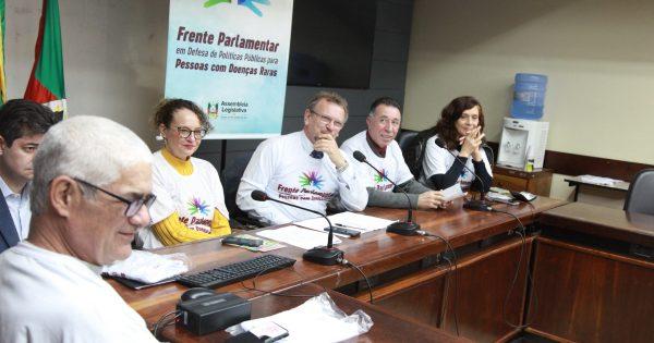 Frente Partlamentar articula ações em defesa dos portadores de doenças raras