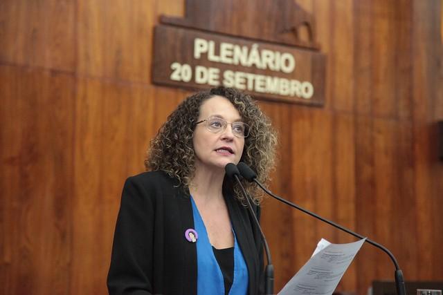 Luciana Genro enviou ofício ao Tribunal de Contas solicitando fim do sigilo imposto a uma auditoria sobre gastos na Assembleia Legislativa. | Foto: Vanessa Vargas