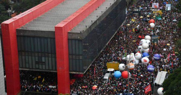 Pablo Ortellado: Identidade versus estratégia