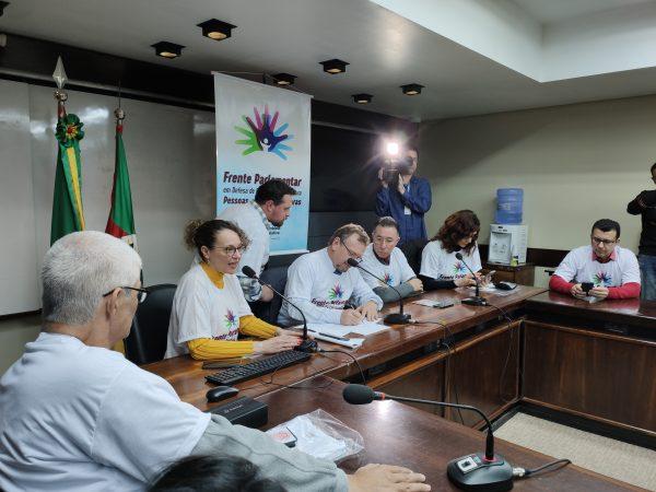 Deputada Luciana Genro é autora de projeto que institui mecanismos de transparência na Farmácia do Estado. | Foto: Samir Olivewira