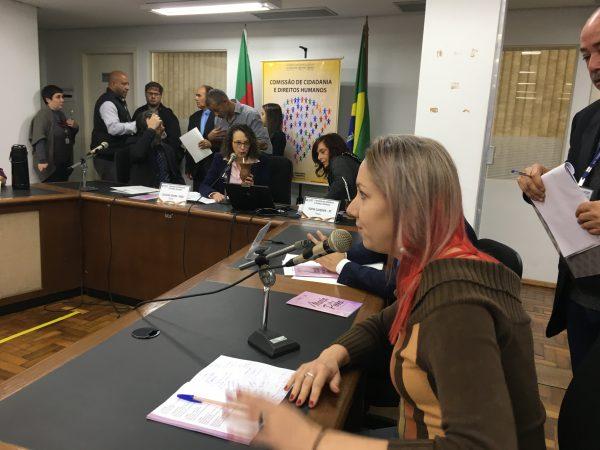 Arquiteta Cláudia Favaro assegurou que área é adequada para moradia. | Foto: Samir Oliveira