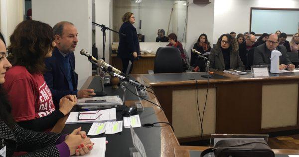 Deputada solicita ao governo do Estado cronograma de obras em escolas públicas