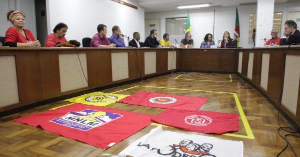 Seminário debate desmonte da política habitacional no Brasil