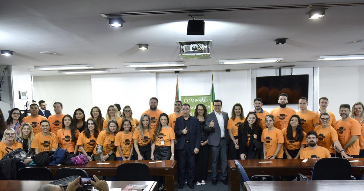 Aprovados no concurso da Polícia Civil também participaram da audiência e da reunião da Comissão de Segurança e Serviços Públicos | Foto: Guerreiro