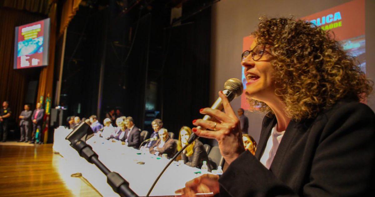 Luciana Genro apresentou PDL para realização de plebiscito sobre a Mina Guaíba em audiência pública no dia 30/09.   Foto: Álvaro Andrade