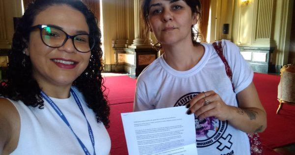 Carta com solicitações de políticas para mulheres é protocolada ao governo do Estado