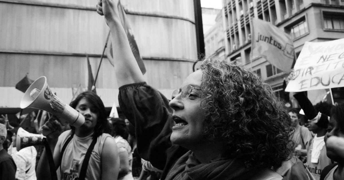 Deputada Luciana Genro (PSOL) na luta em defesa dos servidores públicos