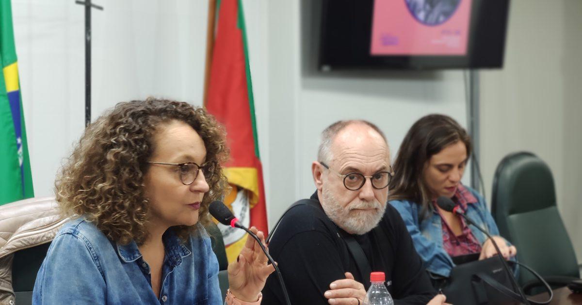 Plenária reuniu servidores e lideranças do PSOL na Assembleia. | Foto: Samir Oliveira
