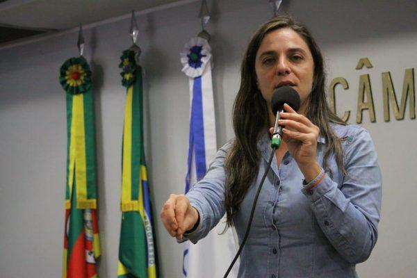 Fernanda Melchionna defendeu participação popular nas decisões de governo. | Foto: Hugo Scotte