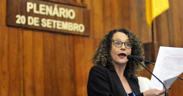 Luciana Genro propõe uso dos fundos do TJ para financiar renda básica estadual