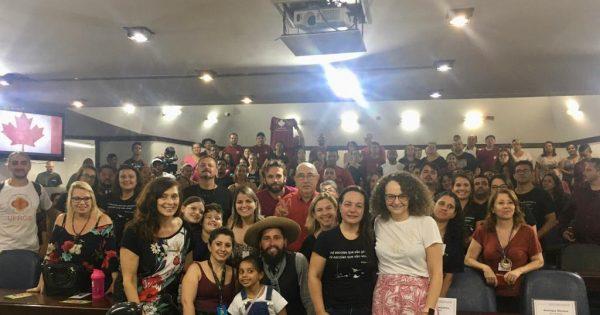 Comunidade da escola Canadá, de Viamão, mobiliza-se contra desmonte de base curricular