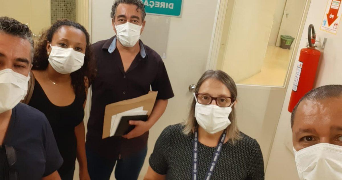 Representantes do Simpa e da Associação de Servidores do HPS não foram recebidos pela direção do hospital. | Foto: Divulgação Simpa