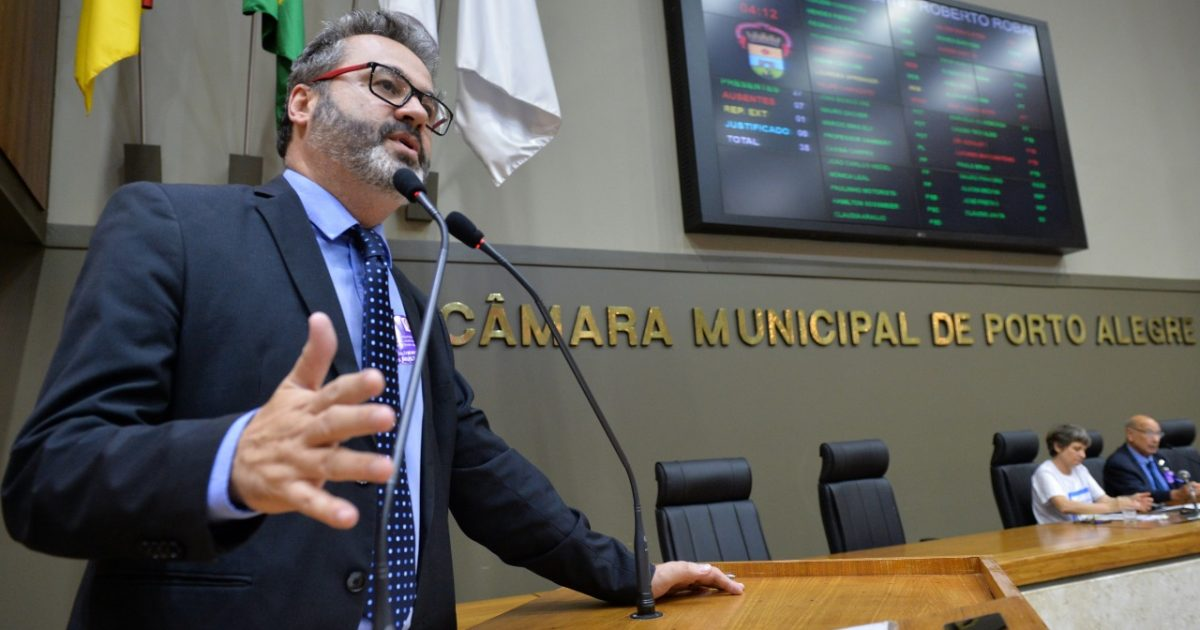 Vereador Roberto Robaina assina a ação como presidente do PSOL de Porto Alegre Foto: Débora Ercolani/CMPA