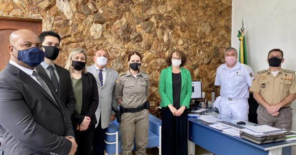 Luciana Genro se reúne com comando da BM e direção de hospital para tratar de emendas à saúde dos brigadianos