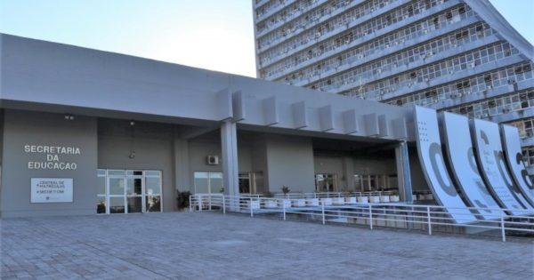 Professores gaúchos denunciam corte abusivo no salário em dezembro