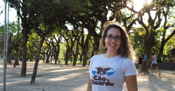 Na luta por políticas públicas, voluntária da causa animal foi candidata pelo PSOL à Câmara de Porto Alegre