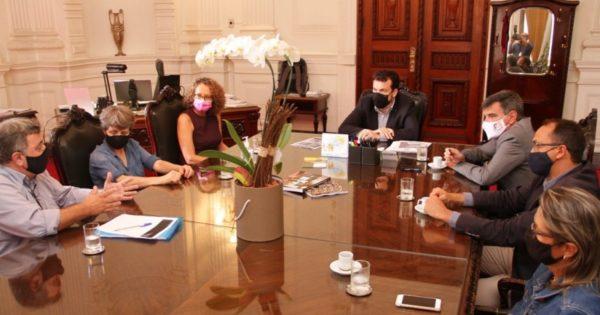 Reunião de Luciana Genro com Casa Civil e sindicato cobra negociação na greve da Procergs