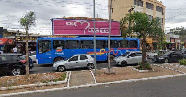 """Usuários de ônibus em Alvorada relatam superlotação e falta de linhas: """"Está uma calamidade"""""""