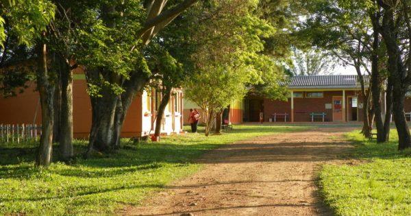 Luciana Genro questiona governo sobre fechamento de educação infantil na zona rural de Alegrete