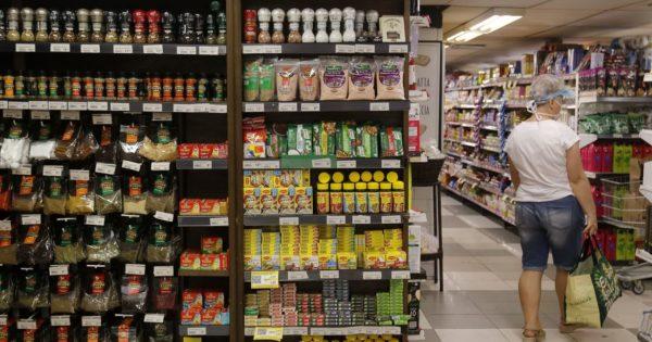 Projeto de Luciana Genro determina local específico para produtos sem glúten, vegetarianos e veganos em mercados