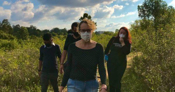 Luciana Genro acompanha visita do MP à área de preservação ameaçada em Canoas