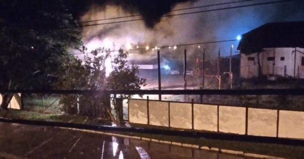Luciana Genro cobra RGE sobre negligência em Cacequi, onde moradores denunciam incêndio de 50 minutos em fios de luz