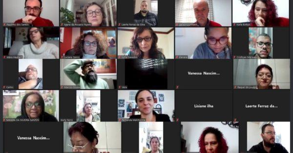 Luciana Genro debate conjuntura educacional em Sapucaia do Sul