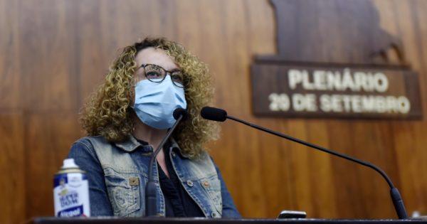 Secretária de Educação Raquel Teixeira será convocada a dar explicações na Comissão de Educação