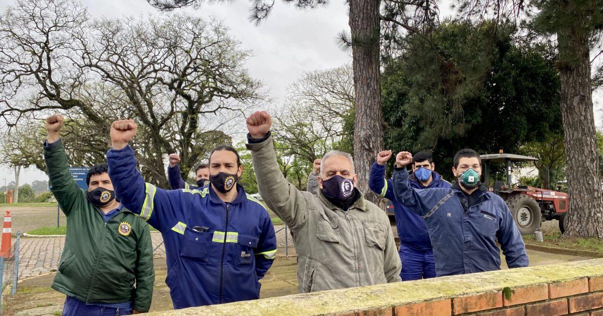 Trabalhadores ocupam a fábrica da Gerdau em Charqueadas na luta contra a alteração da jornada de trabalho e perdas salariais de até 35%. | Foto: Samir Oliveira/PSOL