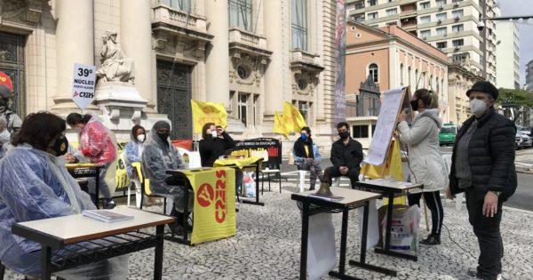 Em aula pública, núcleos do Cpers protestam contra corte no difícil acesso e perda de direitos